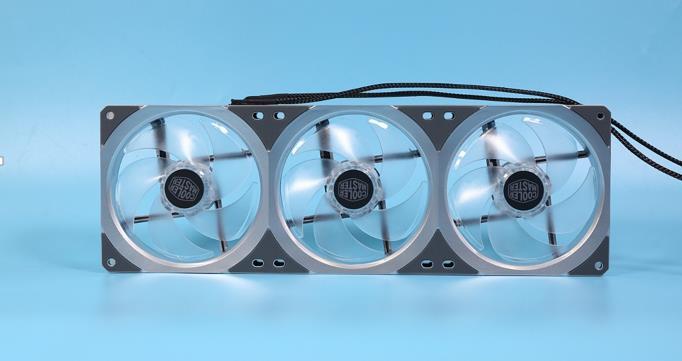 市售颜值最高的一体水冷!酷冷至尊P360 ARGB水冷散热器评测