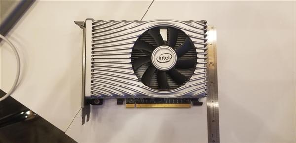 Intel DG1独显开发样卡公布:玩1080P《星际机甲》至少30帧、别致信仰灯