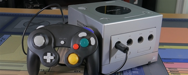 MOD大神把20年前ATI平台的Gamecube改造为迷你PC:换装AMD锐龙