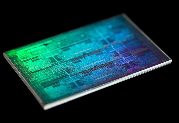 Intel低调推出四款Atom C3000处理器新品:260元起