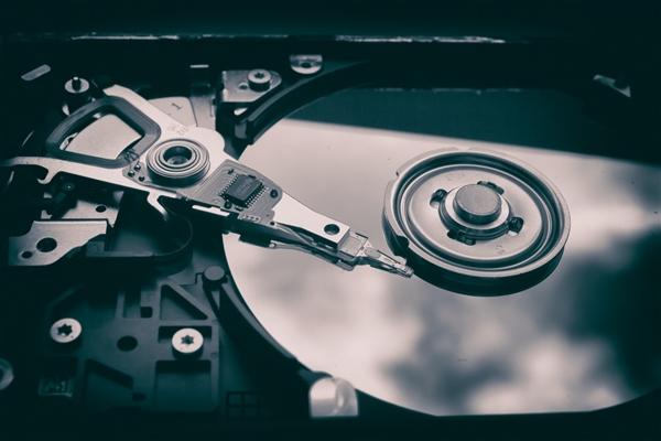 对标SSD硬盘 传西数正在开发新一代迅猛龙硬盘:20000转速